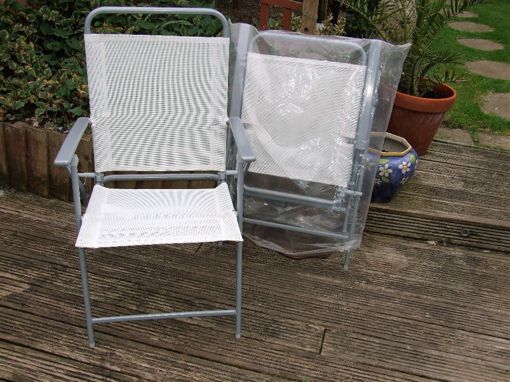 New 2 white silver steel folding patio garden chairs grimsby