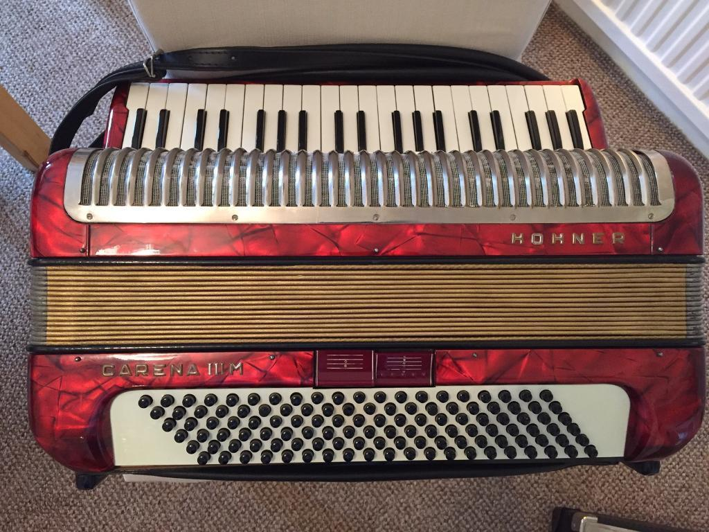 Hohner Carena 120 bass Accordian