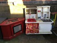 Mud kitchen and cooker