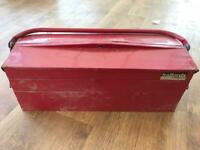 Halfords cantilever tool box
