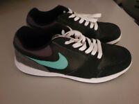 Nike SB - Size 6 - Worn ince (Too big)