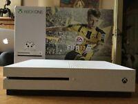 XBOX ONE Slim/ excellent condition /white 500GB