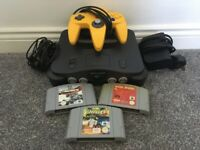 Nintendo 64 N64 Console with 3 Nintendo 64 Games