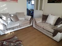 Can deliver lovely dfs crushed velvet 2+3 seater sofas in very good condition