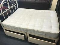 Double bed with 4 storage drawers