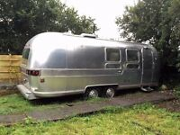 Airstream 1972. 22 foot Land Yacht International. Tow hitch reconfigured for UK/EU , new axles