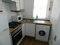 BEAUTIFUL RECENTLY REFURBISHED 2 BEDROOOM FLAT NEAR UPTON PARK STATION