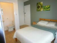 Beautiful Double En-suite Room Available!!