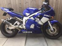 YAMAHA R6 - low mileage - very clean