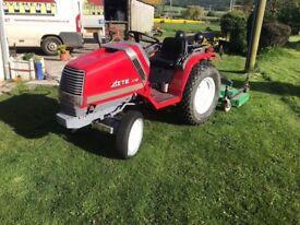 Kubota compact 4+4 tractor