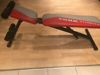 YORK FITNESS WEIGHT BENCH (ADJUSTABLE, FOLDABLE WEIGHT SIT-UP BENCH)