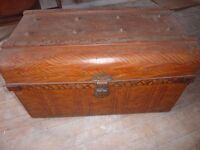 ANTIQUE ORIGINAL STEAMER TRUNK, MULTI USE, STORAGE FOR BEDDING, TOYS OR COFFEE TABLE