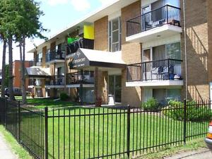 *INCENTIVES* Cozy 1 Bdrm in Downtown Adult Bldg ~ Centerpoint