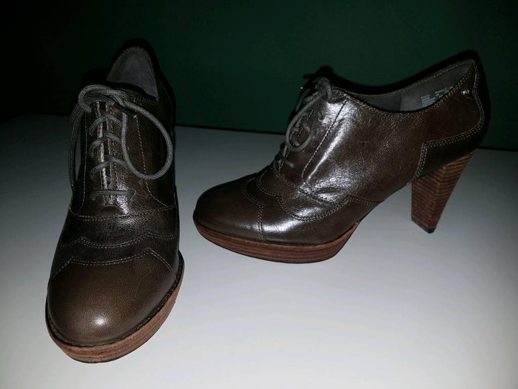 Rockport shoes size 6.5