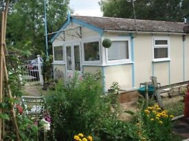 Lovely 1 bed chalet price incl.rent £1775 10mth till 2019