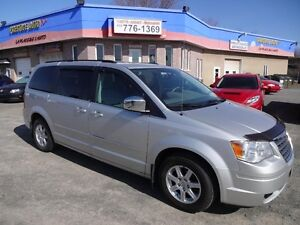 2010 Chrysler Town & Country TOWN & COUNTRY