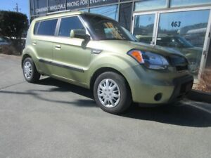 2010 Kia Soul 2U AUTO WITH ONLY 140K