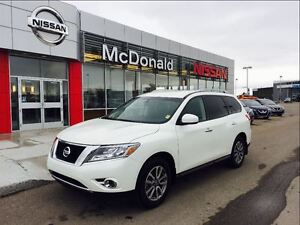 2016 Nissan Pathfinder SV with Back Up Cam, Power lift gate and