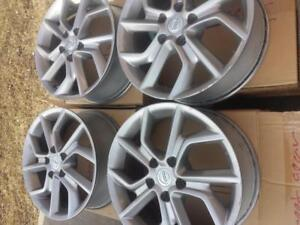 NISSAN SENTRA 2016  FACTORY OEM 17 INCH ALLOY WHEELS IN GOOD CONDITION. NO SENSORS