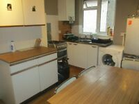 Sudent property 4 bedroom flat town centre, Bedford