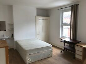 Spacious Double Rooms in Semilong Area (£90-£110)
