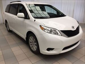 2013 Toyota Sienna LE: 1 Owner, AWD.