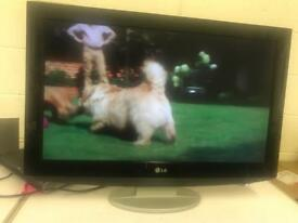 """LG 32"""" lcd hd Freeview tv for sale"""