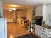 2 bedroom flat (ground floor) with garden £1600 pm (W54NT) All bills included!!!!!!