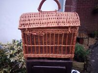 Wicker carry basket (for racing pigeons possibly)