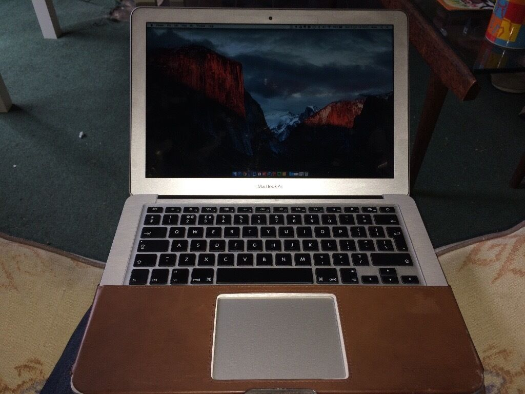 MacBook Air 2013 - Top Spec: i7 8GB RAM 500GB pcie SSD