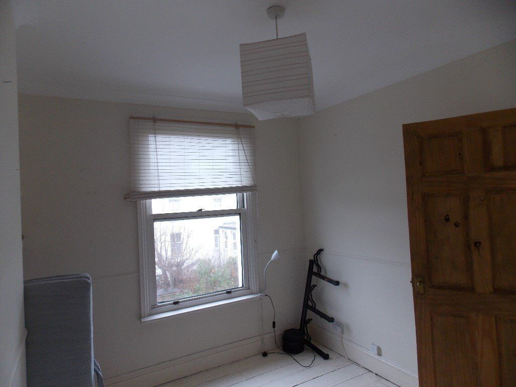 Double room to rent in house share in Hove
