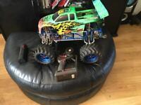 Radio controled nitro t Maxx 3.5 big engine x3 cars all metel