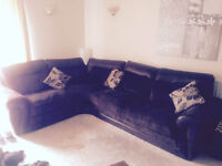 Large brown 4 Seater Corner Settee - also Pull out Double Bed