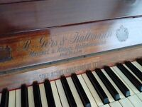 1913 R Gors & Kallmann piano in a dark finish very good condition