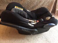 Maxi Cosi Cabrio Fix car seat and 2Way Family isofix base