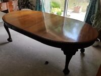 19th Century French Polished Mahogany Extending Dining Table