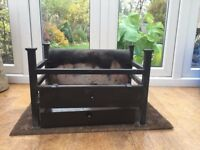 Excellent fire grate and basket for sale - £40