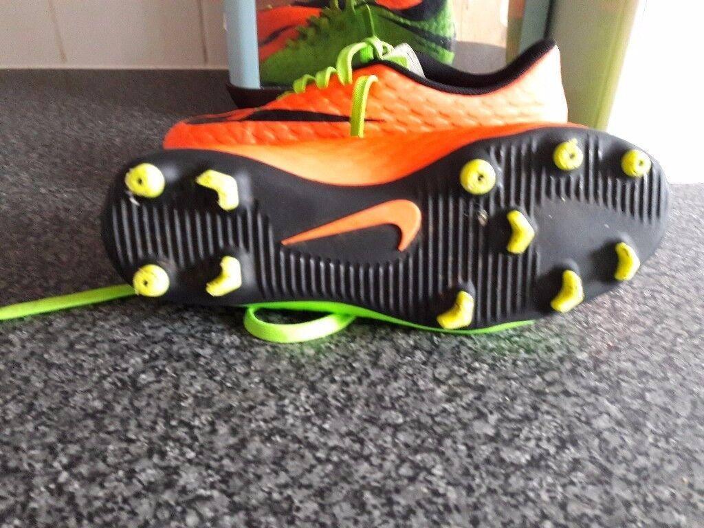 nike astro turf football boots