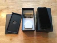 IPhone 5 16gb Slate Black Unlocked...!!!