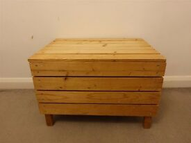 Wooden chest storage rustic 59cm width, 43cm height, 35cm deep- interesting!