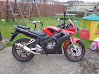 CBR125R 2004 £1100 O.N.O Great little bike perfect as first bike. Black widow Exhaust new rear tyre