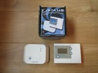 SALUS RT500 RF PROGRAMMABLE ROOM THERMOSTAT WITH RF