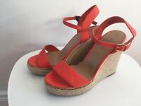 New Looks Coral Wedges