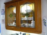 KITCHEN CABINETS SOLID OAK - COMPLETE INTERGRATED KITCHEN LOOKS LIKE NEW