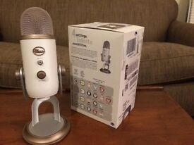 Blue Yeti Professional USB Microphone