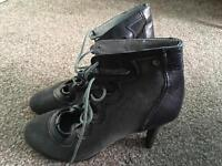 Mexx-ladies shoes/ heels- size 7/41-brand new