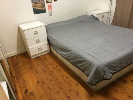 CHEAP Couple room for 2ppl near train station + shopping mall