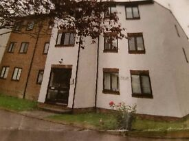 2 bedroom flat in Abbots Langley £995pm close to Ml and M25 and Watford Junction being renovated