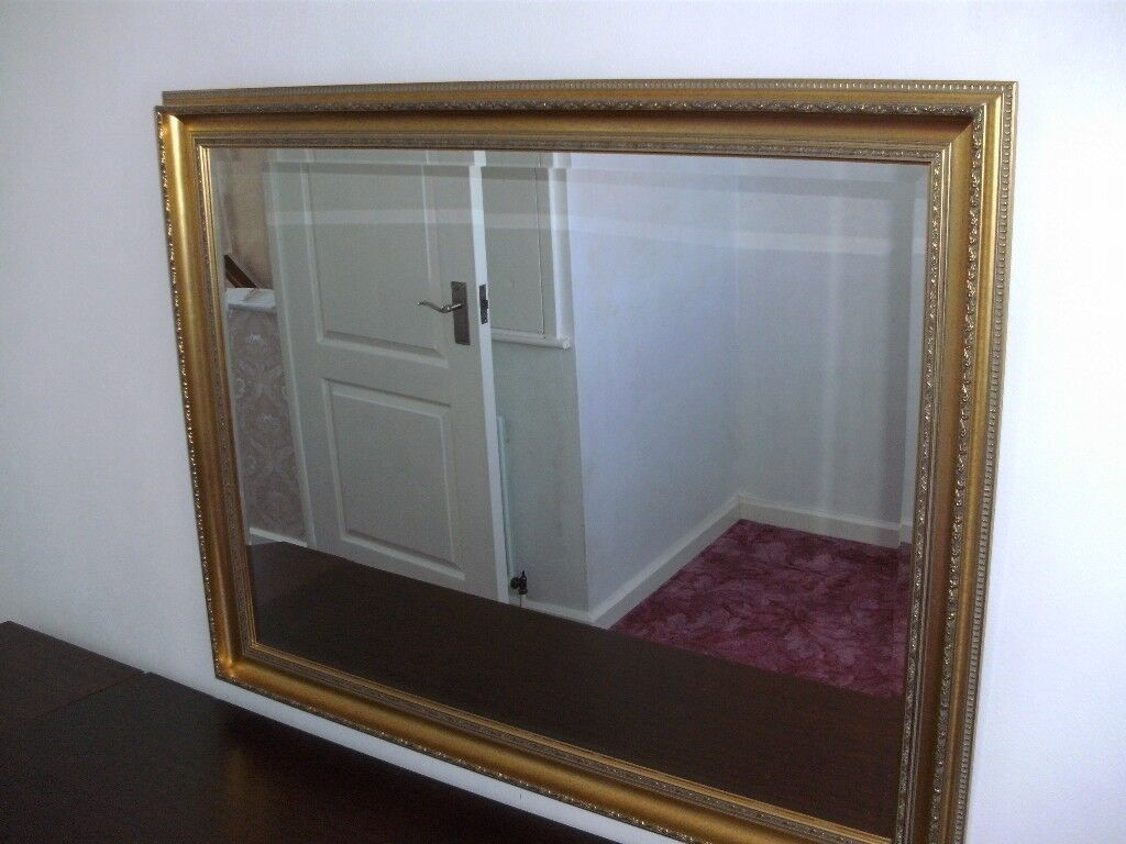 Extra Large Gold Framed Mirrorin Sunderland, Tyne and Wear - Extra Large Gold Framed Mirror Great looking Mirror that would be suit the bedroom or living room Dimension L 45 ½ inches H 35 ½
