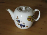 Royal Wedgewood Teapot Evesham Gold Design